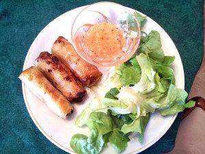 Cha gio: fried rolls