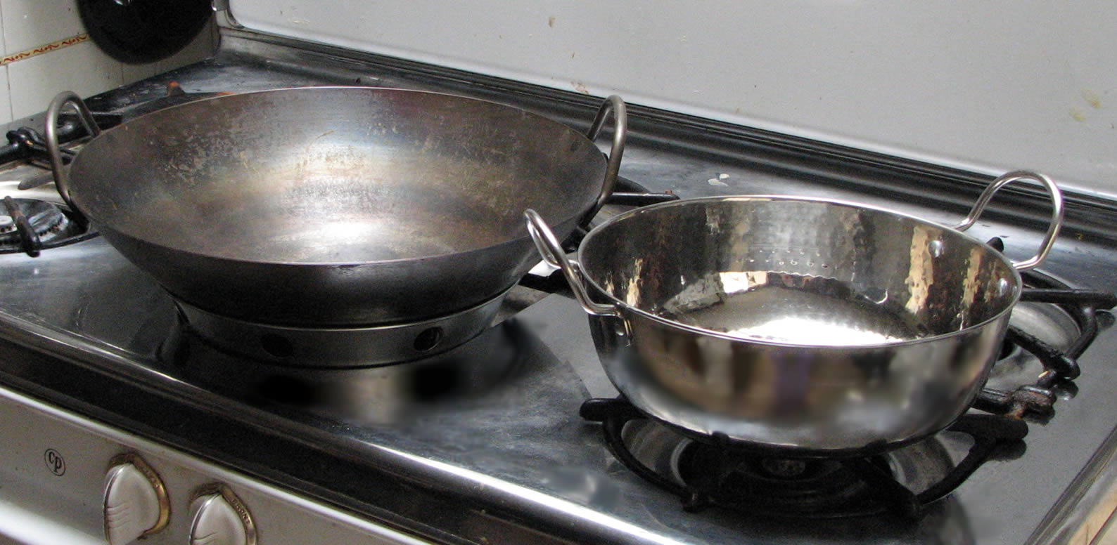 Things I learnt about using a wok on a glass stovetop - Aliette de ...