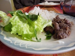 Banh uot thit nuong: lemongrass beef with sesame seeds