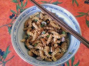 Mi kho hanh thit: scallion noodles with pork